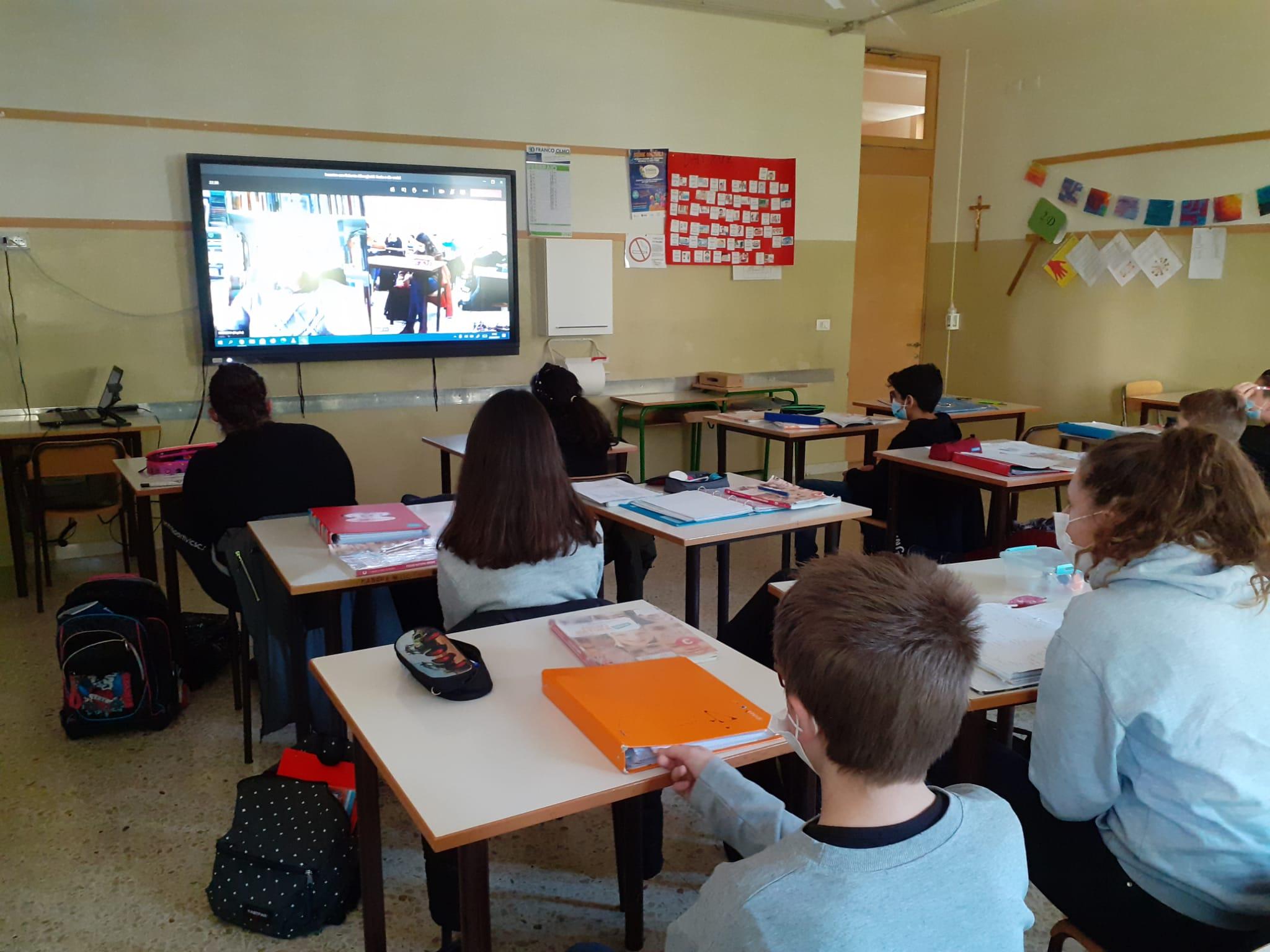 """Social / Clusone (BG): 250 studenti alle """"Dirette web"""" con Roberto Alborghetti"""